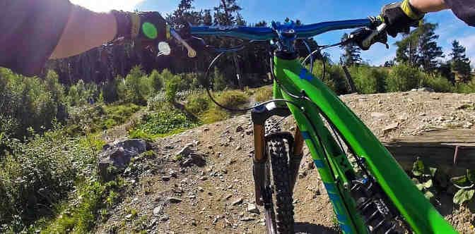 Top 7 Proven Ways How to Ride a Mountain Bike Downhill